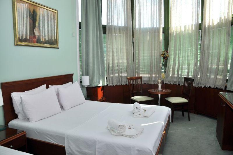 Hotel Tadž ND